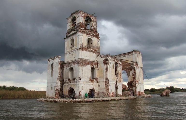 Спасают храмы, кирхи и даже церковь-маяк: волонтеры – герои премии «Жить вместе»