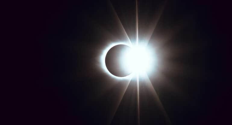 Солнечное затмение на Вознесение. Как это отразится на будущем?