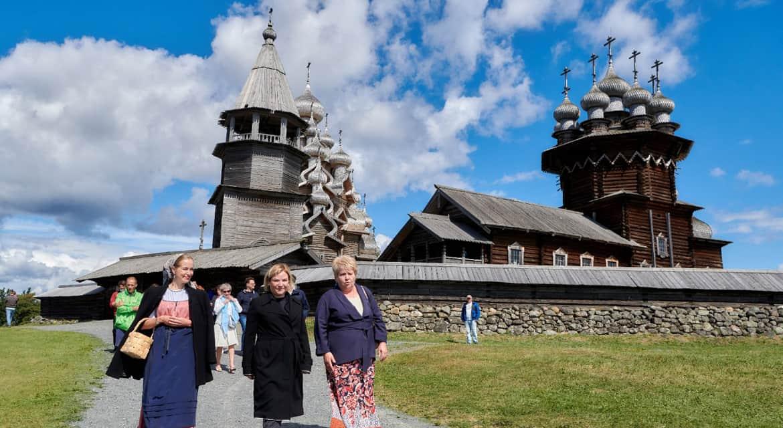 На острове Кижи открыли отреставрированную Преображенскую церковь
