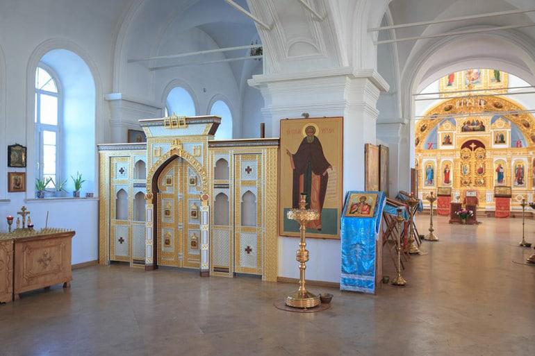 В храме на Куликовом поле восстановили придел с иконостасом и копией уникальных Царских врат
