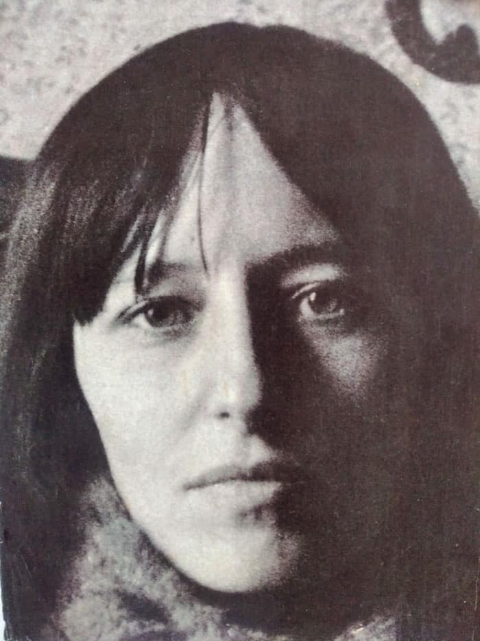 Красное крылечко. Поэзия Аиды Хмелёвой (1936–2021)