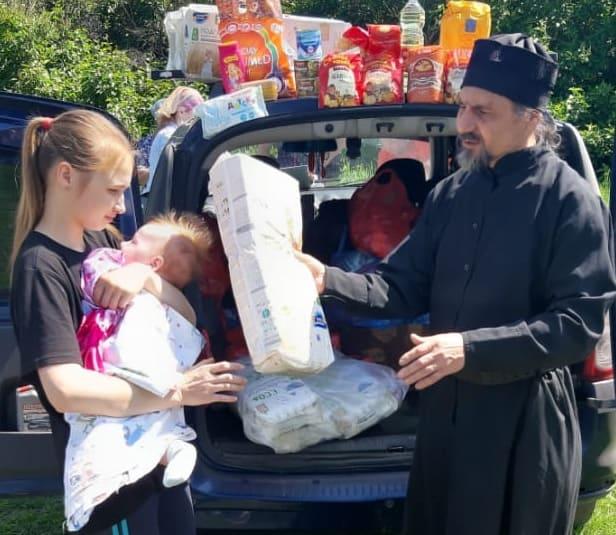 Церковь начала доставлять помощь в отдаленные села в 35 регионах России