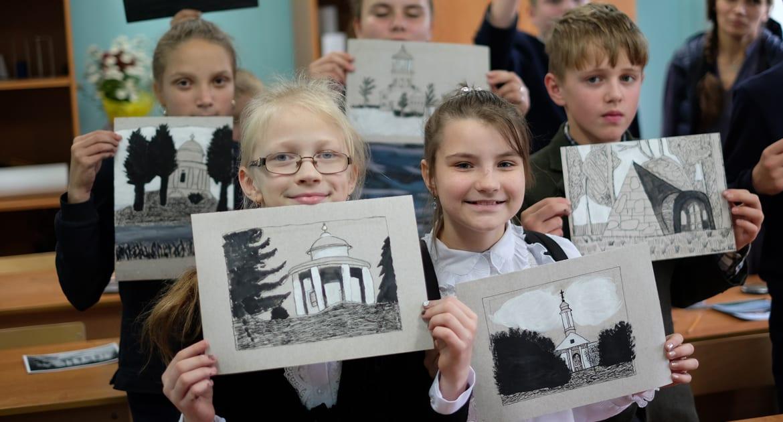 Дети подарят свои рисунки тем, кто поможет им отреставрировать храм