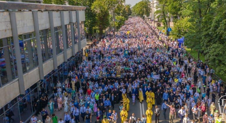 Крестный ход в Киеве показал, что Украинская Православная Церковь – самая многочисленная конфессия Украины, считают в Це...