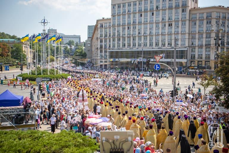Крестный ход в Киеве показал, что Украинская Православная Церковь – самая многочисленная конфессия Украины, считают в Церкви