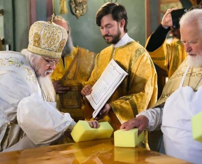 При больнице святителя Алексия освятили храм в честь Тихвинской иконы
