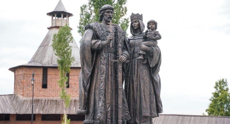 В Нижегородском кремле открыли памятник святым Димитрию Донскому и Евдокии Московской