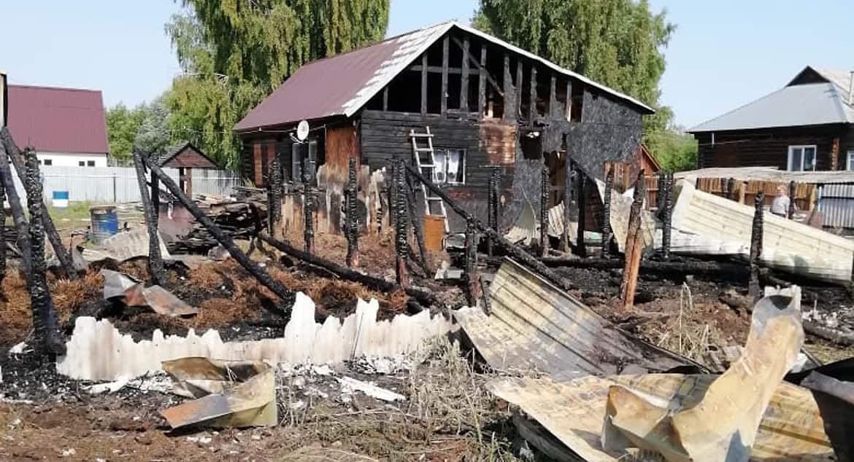 В Мордовии подростки спасли жизнь семье, спавшей в горящем доме