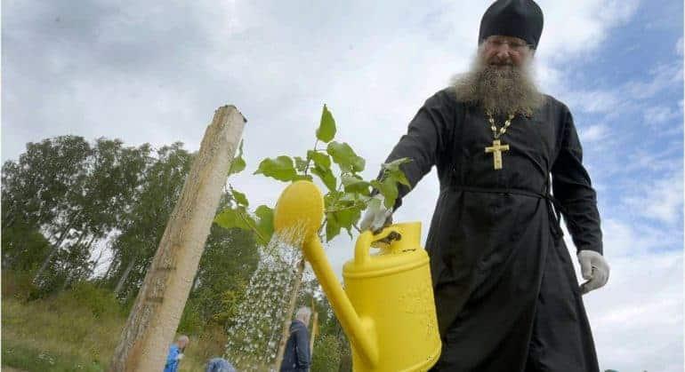 В честь Александра Невского заложили первый на северо-западе России сад сирени