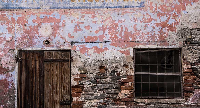 Грех ли жить в доме, построенном из кирпичей разрушенной церкви?