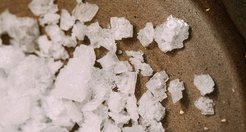 Куда деть заговоренную соль?