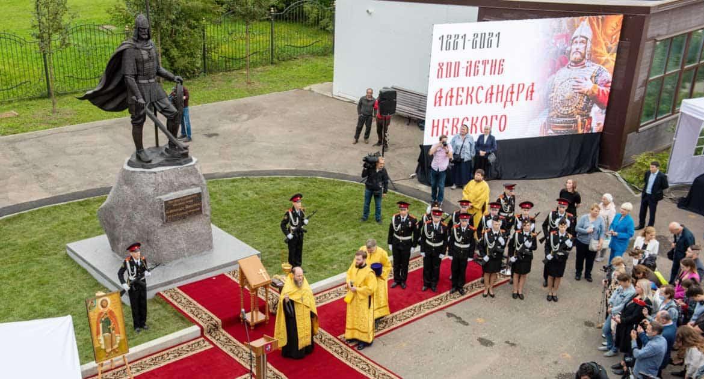 В Москве на территории храма при МГИМО открыли памятник Александру Невскому