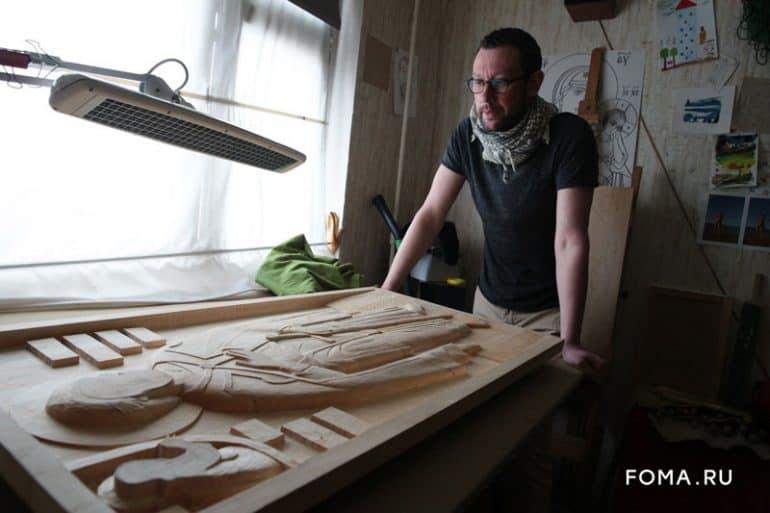 Современный художник создал необычное изображение Александра Невского для слепых: удивительные фото резной иконы