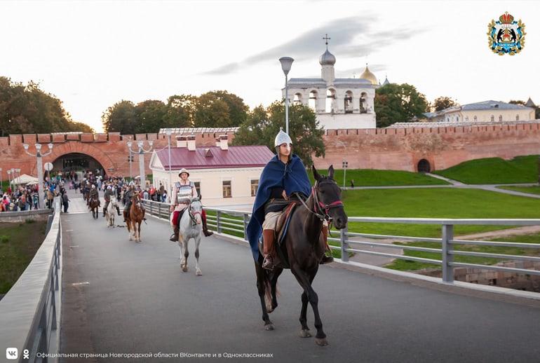 Конная дружина Александра Невского посетила Великий Новгород