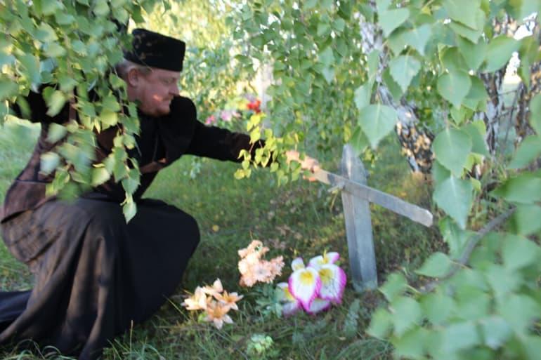 В Саратовской области отыскали могилу убитого в советские годы священника