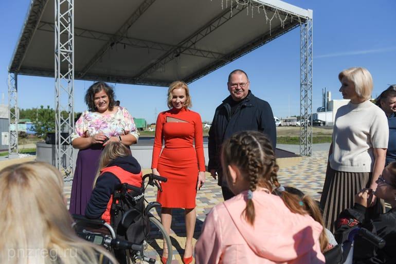 При участии Церкви в арт-поместье «Новые берега» открыли новые объекты для инвалидов
