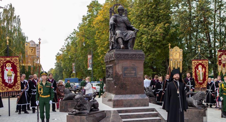 Памятник Александру Невскому в редком исполнении открыли в Егорьевске