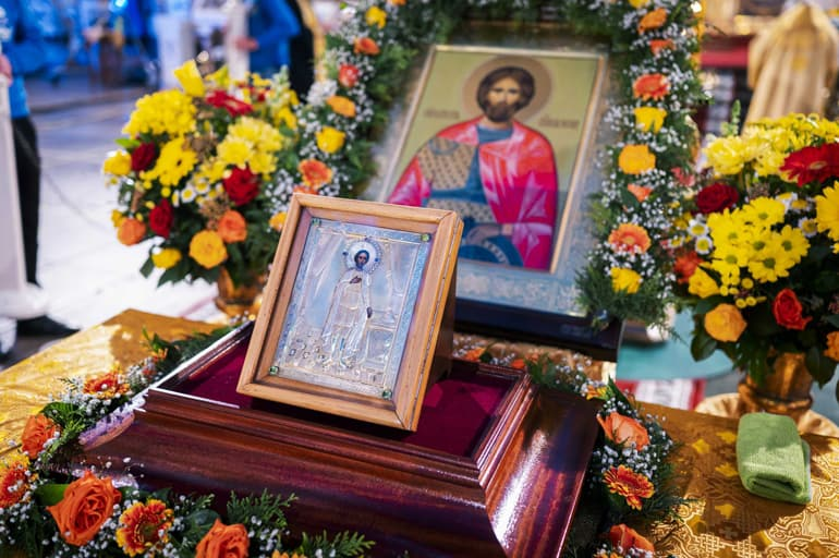 Патриарх Кирилл возглавил в Петербурге торжества в честь 800-летия святого Александра Невского