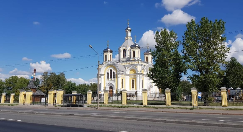 Патриарх Кирилл освятил возрожденный храм на Октябрьской набережной Петербурга