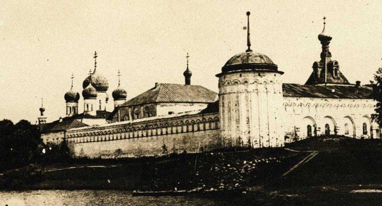Этот монастырь назвали именем человека, который хотел убить его основателя: необычная история Калязинской обители