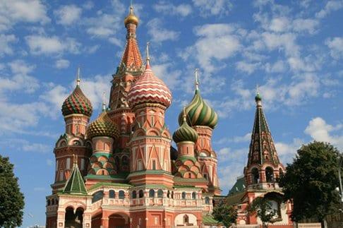 Почему купола храмов имеют форму луковок?