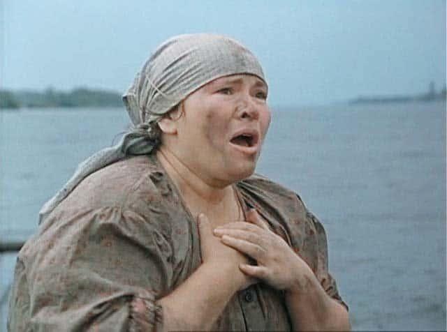 Кадр из фильма «Холодное лето 53-го», 1989 г. Нина Усатова в роли глухонемой