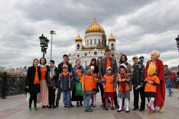 Синодальный отдел по делам молодежи организовал экскурсию в Храм Христа Спасителя для детдомовцев
