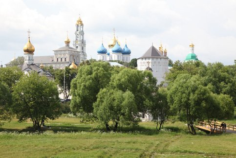 В Троице-Сергиевой Лавре монах спас мальчика от матери-убийцы