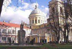 При Александро-Невской лавре в общедоступном формате начнет работать старейшая церковная библиотека