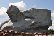 Телеканал CNN извинился за включение брестского монумента «Мужество» в рейтинг уродливых памятников