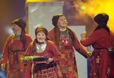 Бурановские бабушки собирают средства на храм концертами и производством сувениров