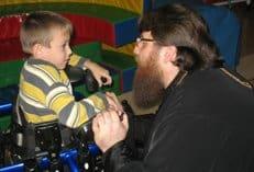 Семьям, которых принуждают отказаться от ребенка-инвалида, должна помочь Церковь