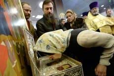 В России выросло число людей, считающих себя православными, - результаты соцопроса