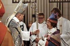 Англиканская Церковь Уэльса разрешила рукополагать в епископы женщин