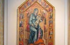 Впервые после реставрации в Эрмитаже представили икону «Мадонна с Младенцем на троне»