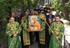 Александро-Невской лавре передали в дар список чудотворной сербской иконы