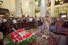 В Казахстан принесен ковчег с частицей Животворящего Креста Господня