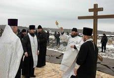В Тюмени отслужили заупокойную литию по погибшим год назад в авиакатастрофе