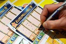 Француз, выигравший в лотерею, отдаст большую часть денег на благотворительность