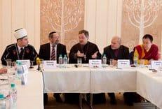 Межрелигиозный совет призывает государство защитить духовных лидеров от нападок