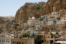 Боевики отступили от древнего христианского селения Маалула в Сирии
