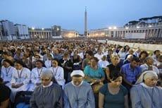 В Ватикане более 100 тысяч католиков помолились о мире в Сирии