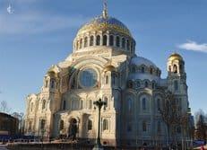 Патриарх Кирилл освятил Никольский Морской собор в Кронштадте