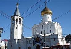 В Москве ночью осквернены два храма