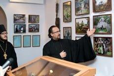 В Кременчуге открылась выставка о поездке православного священника с миссией в Папуа Новую Гвинею и Мексику