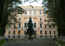 Санкт-Петербургской духовной академии вернули комплекс исторических зданий и храм