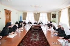 Священный Синод Украинской Церкви призвал власть не допустить вражды по религиозному признаку