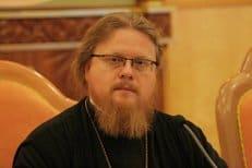 Епископ Подольский Тихон призвал оградить молодежь от пошлости и жесткости в СМИ