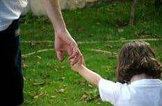 Минздрав определил перечень заболеваний, с которыми нельзя стать усыновителем