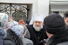 Наместник Успенской Почаевской лавры митрополит Владимир просит власти региона защитить обитель от клеветы